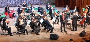 Насолоджуючись оркестром…