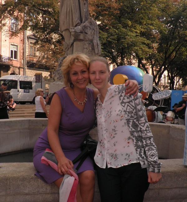 Богдана Салюк і Президент ЦДЛДЮ Уляна Баран
