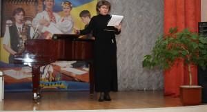 Керівник «Золотого гомону» Олена Бузова: «Найголовніше – те, що студенти заряджають молодістю та радістю»